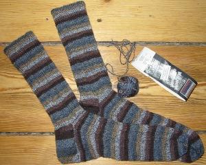 Handknit socks in size EU45