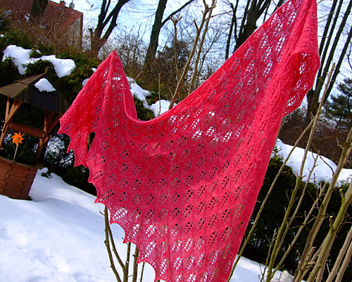 Birch Leaf Shawl Pink