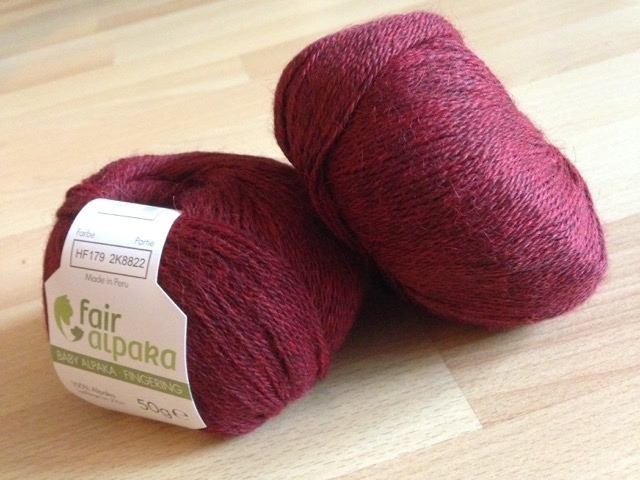 FairAlpaka Fingering, burgundy heather