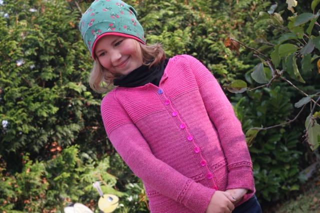Pink Raglan Cardigan aus Baumwoll-Sockengarn