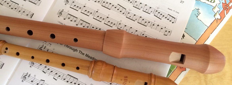 Alt- und Sopranflöte mit Noten irischer Stücke
