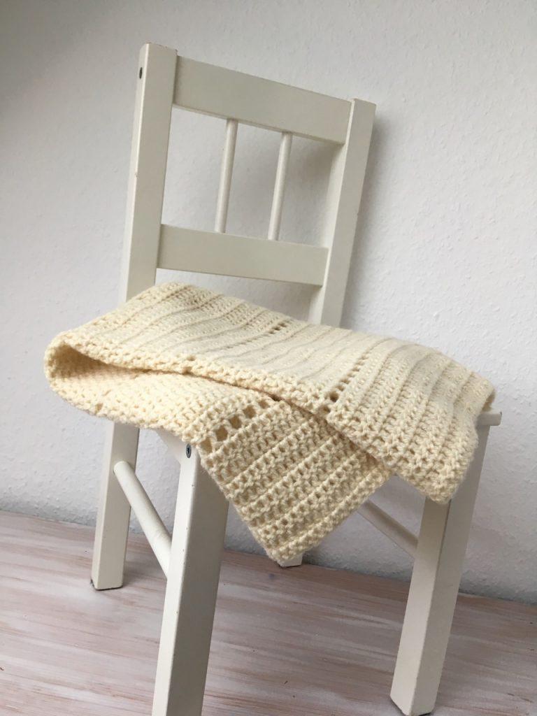 """""""Simplicity"""" Babydecke etwas variiert in Finkhof Merino Wolle Dünn"""
