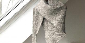 Dreieckstuch aus handgesponnener Gotlandwolle